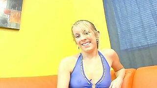 Heute auf der Thrust Couch Desire Moore, Euphemistic depart blonde US Sau