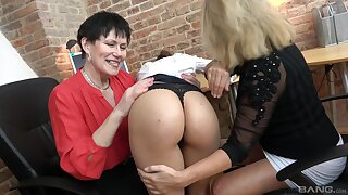 Matures play along in sensual lezzie XXX play